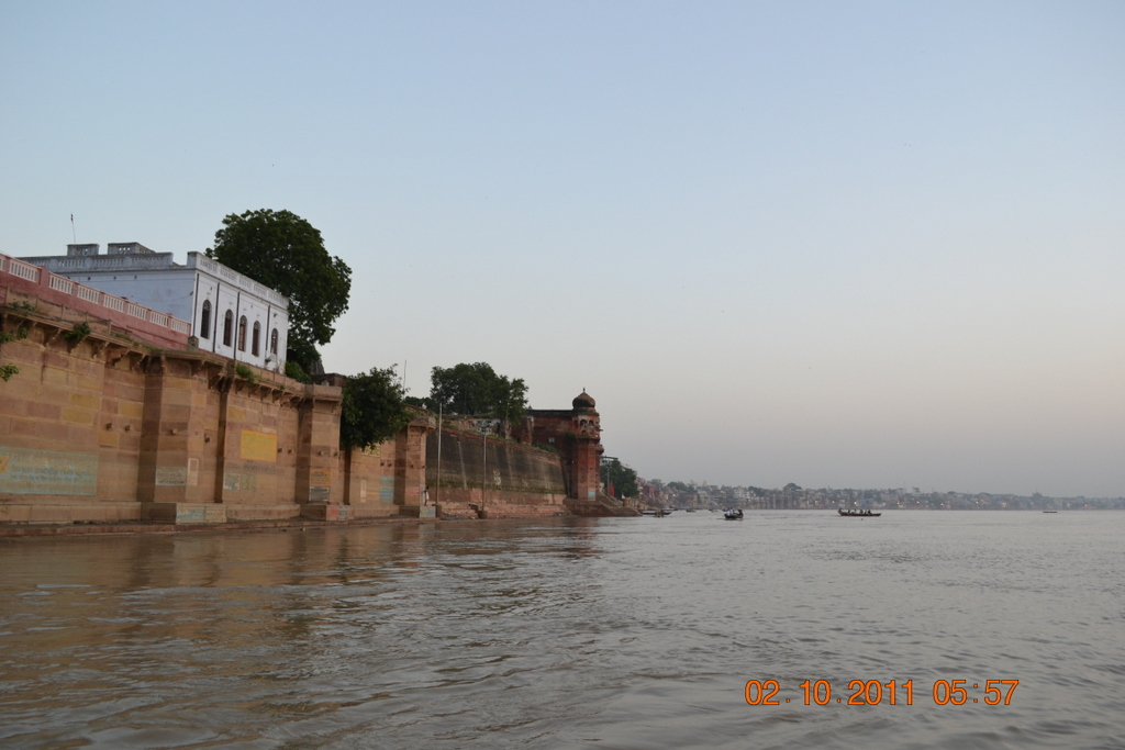 sunrise boat ride on Ganga