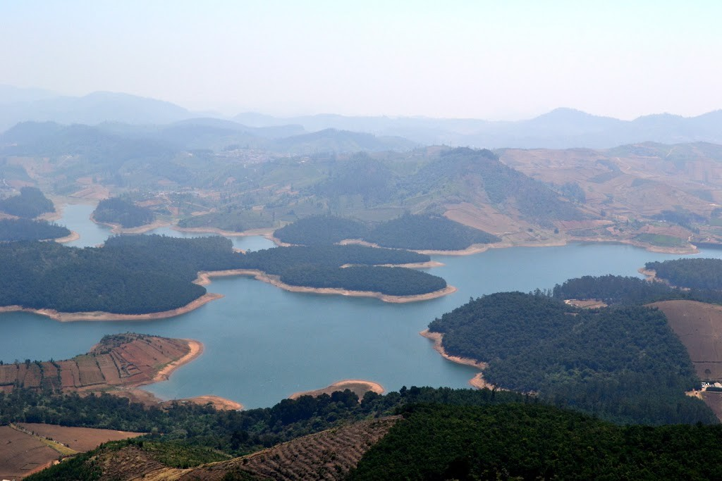 Quiet corners of Ooty - Red Hills, Emerald Lake and Avalanche